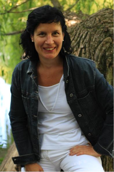 Katharina Rosse, Lachyoga-Trainerin: ... gebe Veränderungen Raum & Zeit