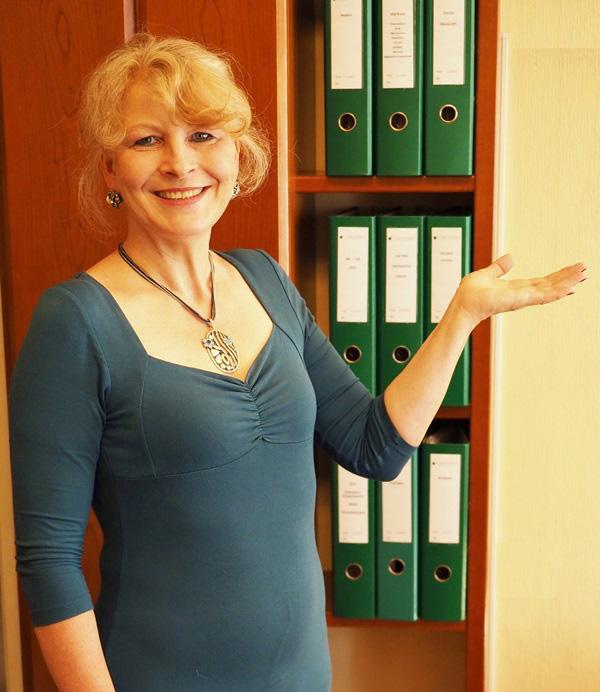 Sylvia Hadarics, Büroservice: ... bin persönliche Assistentin auf Zeit.
