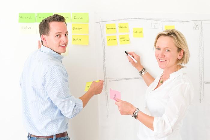 Brigitte Weigl und Johannes Woller, Unternehmensberater: ... Neugier, die uns antreibt.