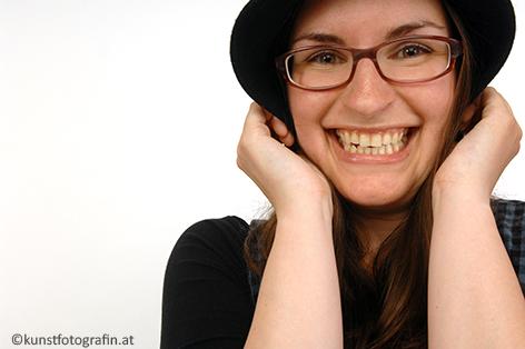Guggi Hofbauer, Kabarettistin: ... spiele vor allem liebenswert-verrückte Charaktere