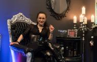 Shiva Prugger, Domina: ... war zuvor in der Telefonerotik tätig – Teil 2